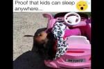 Video - Kinder können überall schlafen