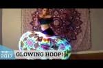 Video - Genialer Hula Hopp Tanz mit einem LED-Reifen