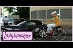 Video - Unfall durchs Smartphone - Ladykracher
