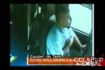 Video - Busfahrer schreibt SMS