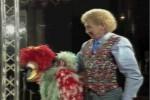 Video - Fred van Halen mit seiner Puppe