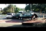 Video - Starker Mann und ein Auto
